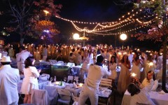 Above: Toronto's 3rd annual Diner en Blanc brought together white-clad Torontonians for a dinner party beneath the stars (Photo: AmongMen)