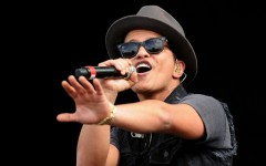 bruno_mars_to_play_super_bowl_xlviii_halftime_show_1.jpg