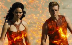 the_hunger_games_catching_fire_trailer_premieres_at_comic-con.jpg