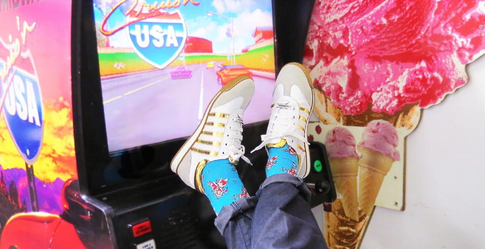 Wearing: Blue floral print Richer Poorer socks from Socking Behaviour (shown with white and gold sneakers from DSquared2)