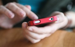 Instagram is gaining popularity as a dating site (Photo: D. Hammonds/Shutterstock)