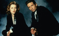 Above: Mulder and Scully looking like they're about to drop the hottest mixtape of the year