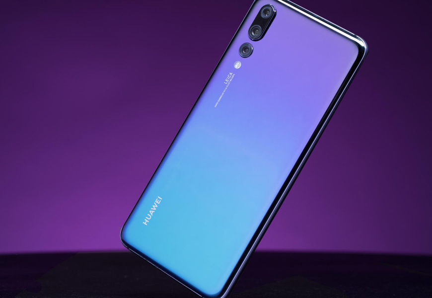 Above: The critically acclaimed Huawei P20 series is now available through Canadian carriers