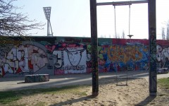 Above: Mauerpark and part of the Berlin Wall (Photo: Susan Steudtemann/visitBerlin)
