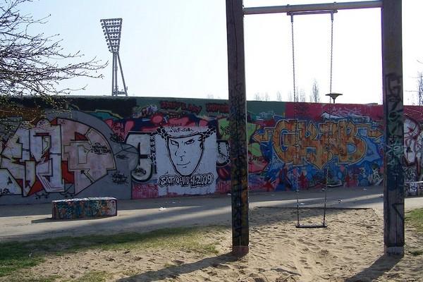 Above: Mauerpark and part of the Berlin Wall (Photo: Susan Steudtemann/visitBerlin)
