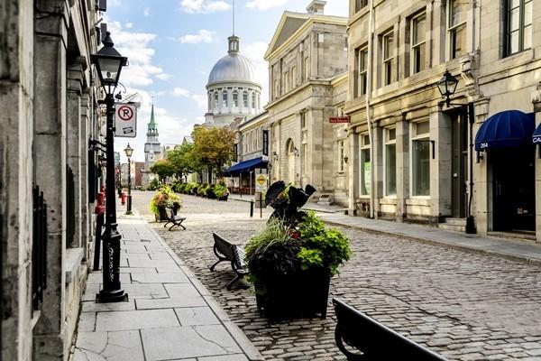 Above: Old Montreal (Photo: ProDesign studio/Shutterstock)