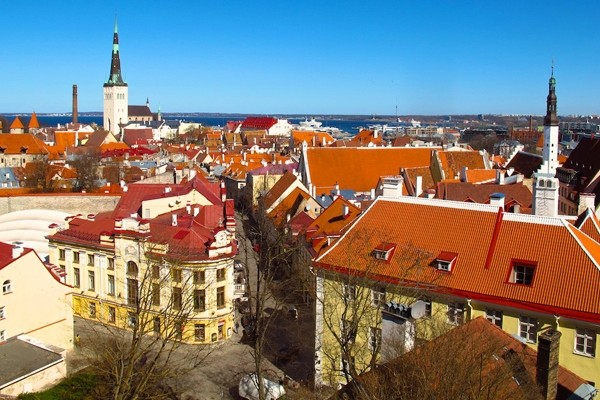 Above: A viewpoint on Toompea looks out across the red-tiled rooftops towards the harbor, which is welcoming more and more cruise ships (Photo: Amy Laughinghouse)