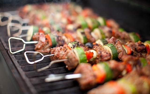 Make your bbq dinners healthier this summer (Photo credit: Joroma/Shutterstock)