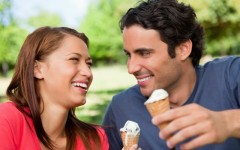 Cheap date ideas she'll actually love (Photo credit: Wavebreakmedia/Shutterstock)