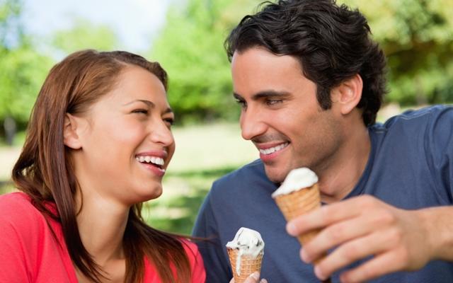 Cheap date ideas she'll actually love (Photo credit: Wavebreakmedia/Shutterstock)