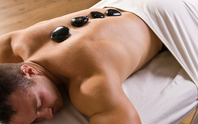 Ready to relax at the spa? (Photo: AVAVA/Shutterstock)