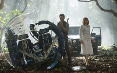 Above: Chris Pratt and Bryce Dallas Howard star in 'Jurassic World'