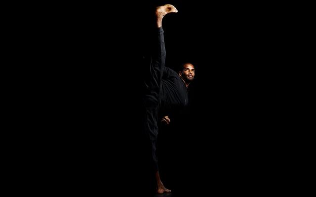 Above: Stuntman Alain Chanoine