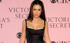 Alyssa Milano at the 2006 Victoria's Secret Fashion Show in Hollywood, California