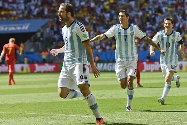 Gonzalo Higuain celebrates his goal against Belgium