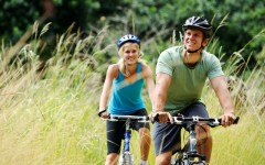 Choose healthy activities as a couple (Photo: Warren Goldswain/Shutterstock)