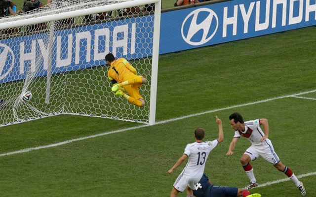 Mats Hummels scores the only goal his team needed to beat France