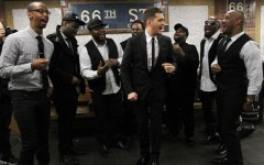 Michael Bublé surprises NYC subway riders with with an a cappella performance (Screencap: YouTube)