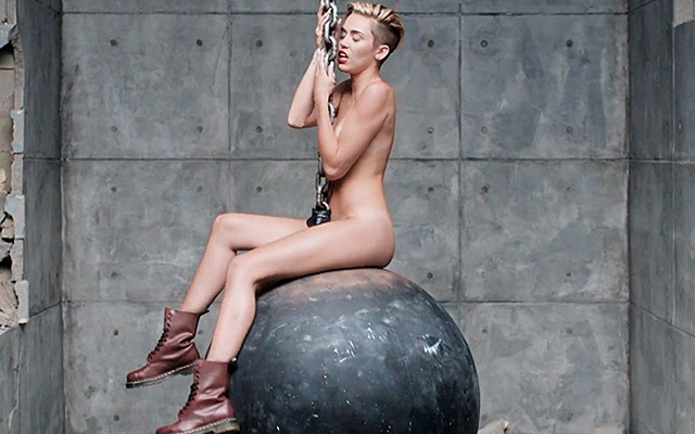 """Miley Cyrus appears nude in her new """"Wrecking Ball"""" video (Screencap: YouTube)"""