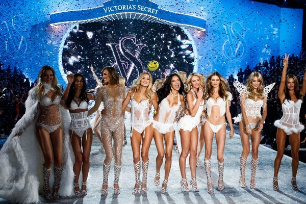The sexiest looks at the 2013 Victoria's Secret fashion show
