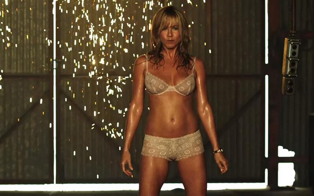 Jennifer Aniston shows some skin in the new We're The Millers trailer