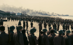 Above: Allied soldiers line the beach in 'Dunkirk'