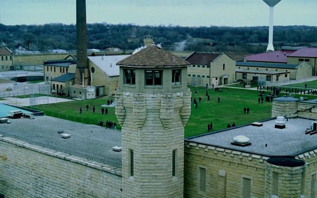 20 Things You Probably Never Knew About Prison Break - Fox River State Penitentiary