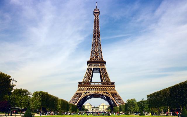 Most Instagrammed Tourist Attractions Around The World - Eiffel Tower